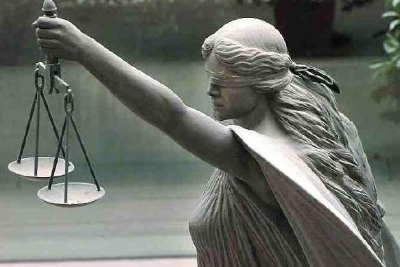 Εκπροσώπηση των πολιτών στις διοικητικές αρχές απο δικηγόρους